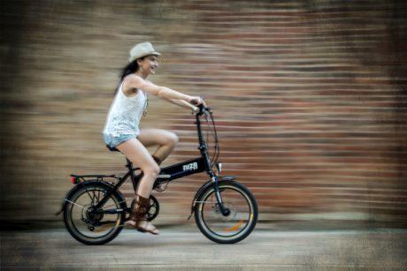 NIZA vélo électrique pliant © Urbanbiker